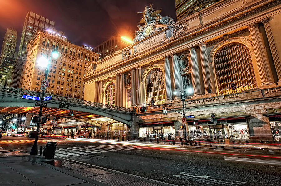 Grand Central Station Photograph by Daniel Chui