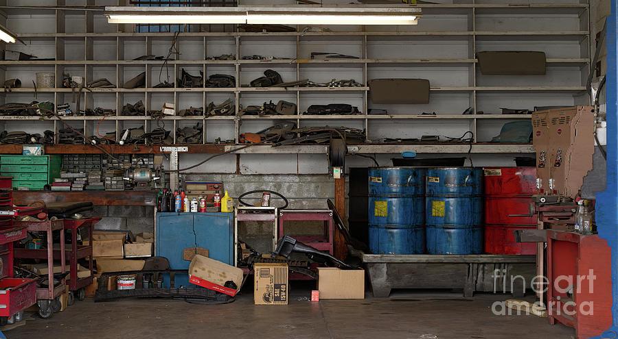 Grand Ole Garage by Richard Lund