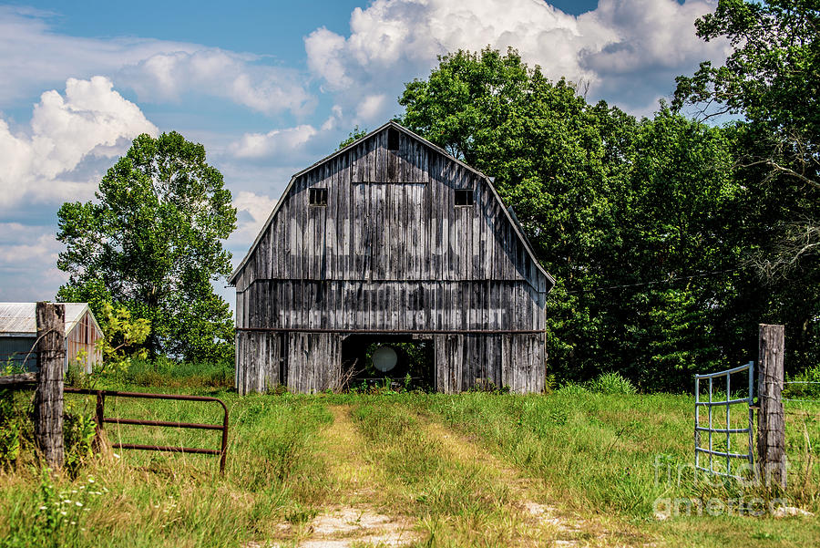 Gray Indiana Mail Pouch Barn  by Gary Whitton