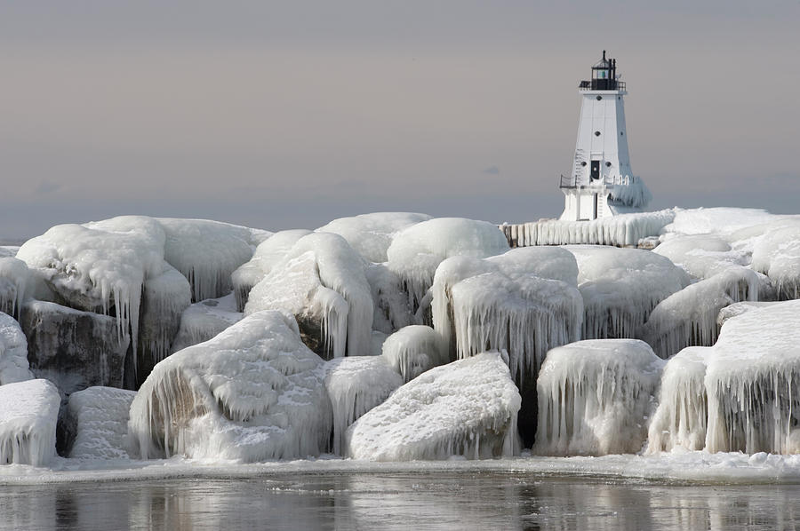 Great Lakes Lighthouse With Ice Covered Photograph by Jskiba