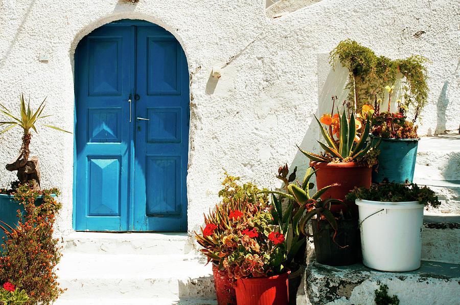 Greek welcome by Paul Cowan