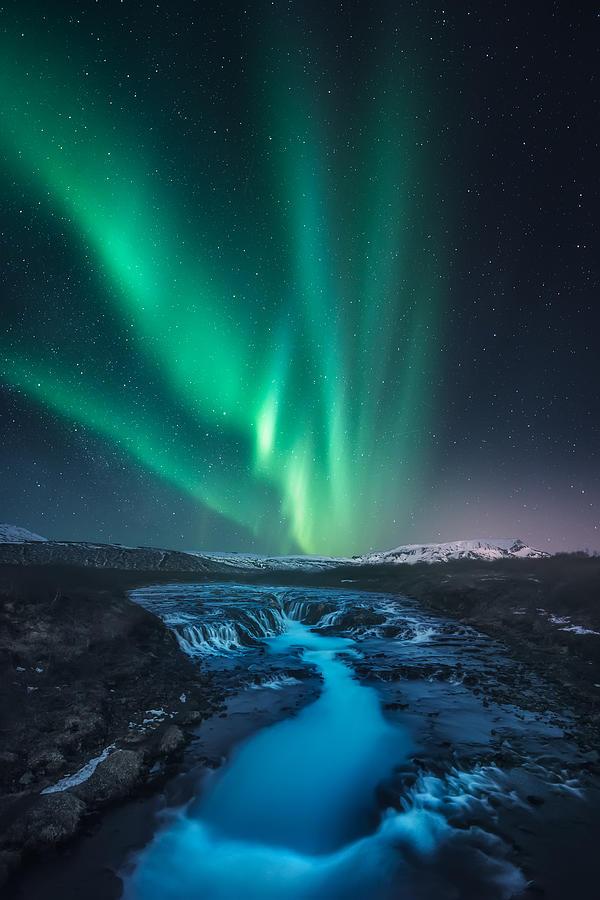 Green Vs Blue Photograph by Carlos F. Turienzo
