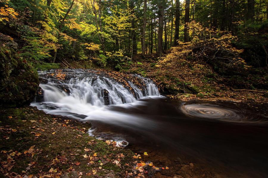 Greenstone Falls 10101901 by Rick Veldman