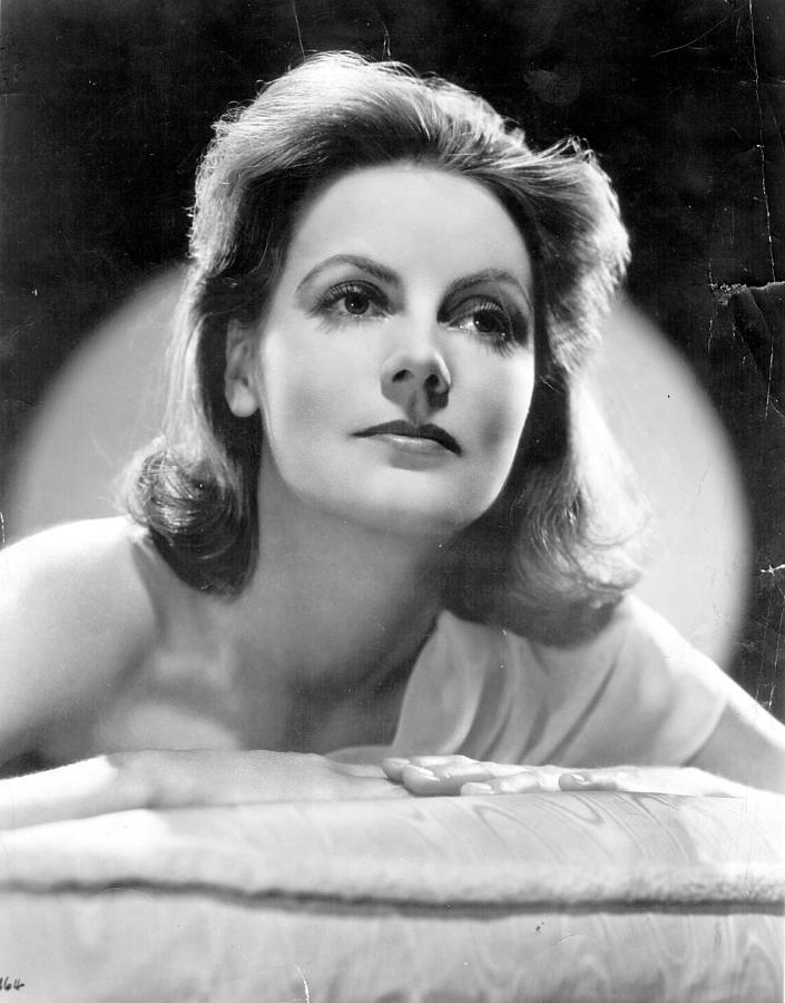 Greta Garbo Photograph by Evening Standard