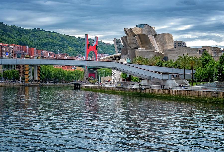 Guggenheim Museum by Tom Singleton