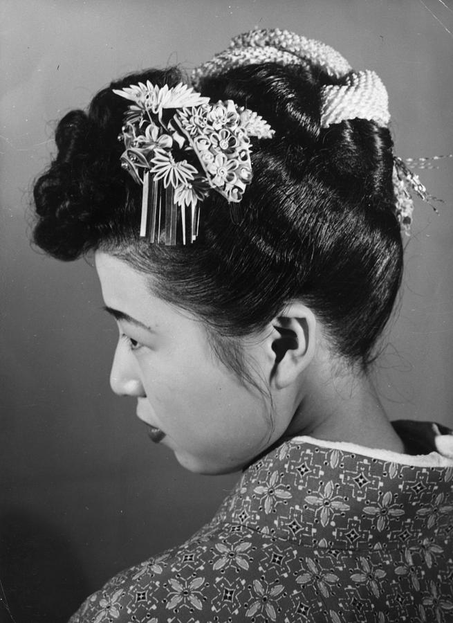 Hair Ornament Photograph by Central Press