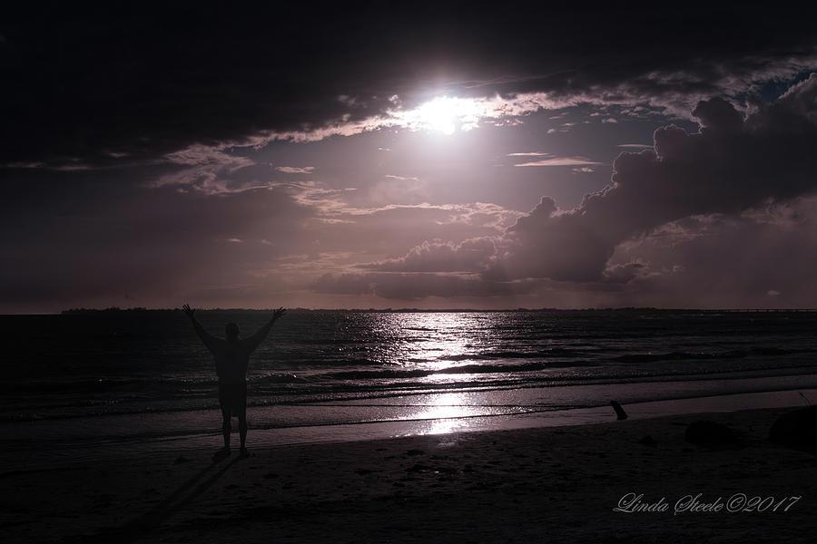Halleluja Sun by Linda Steele