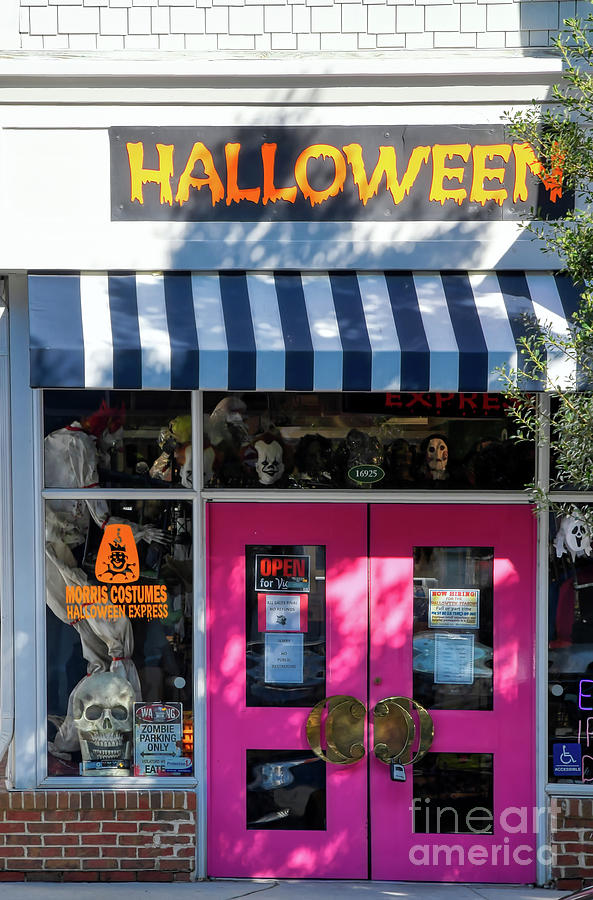 Halloween at Birkdale Village by Amy Dundon