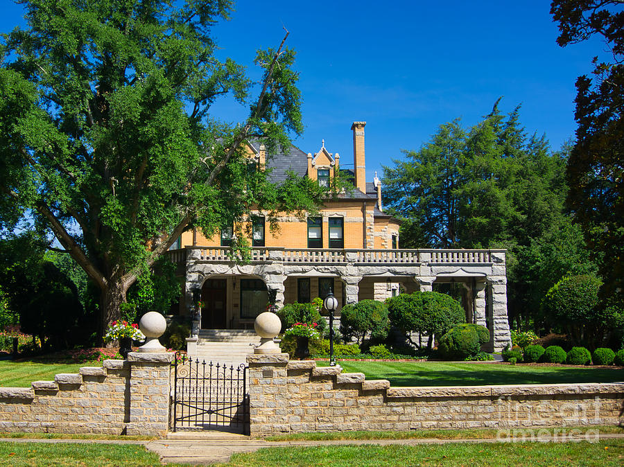Hambley Wallace House by Daniel Brinneman