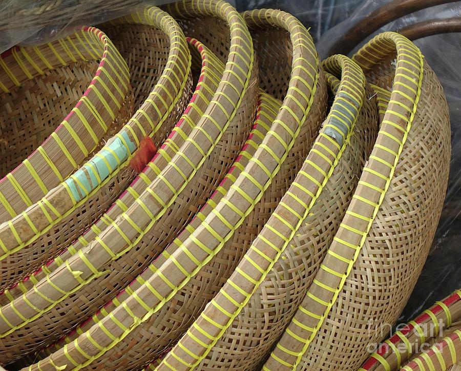 Handmade Baskets and Trays by Yali Shi