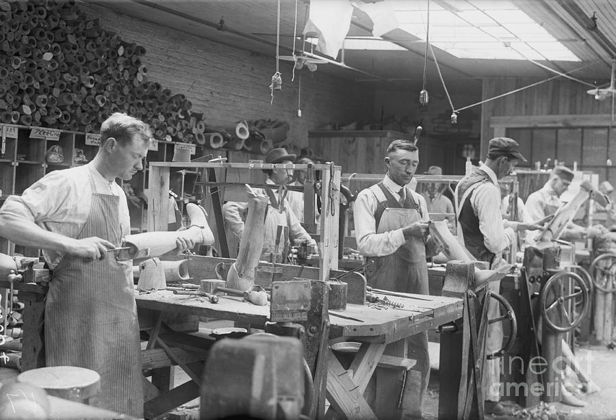 Hanger Artificial Limb Factory Photograph by Bettmann
