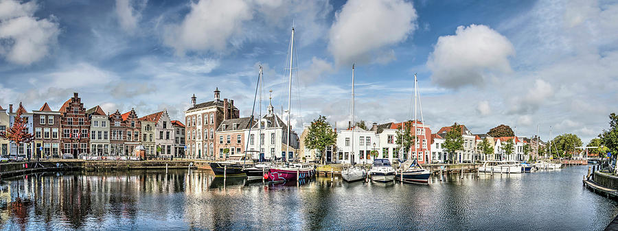 Harbour Panorama Goes by Frans Blok