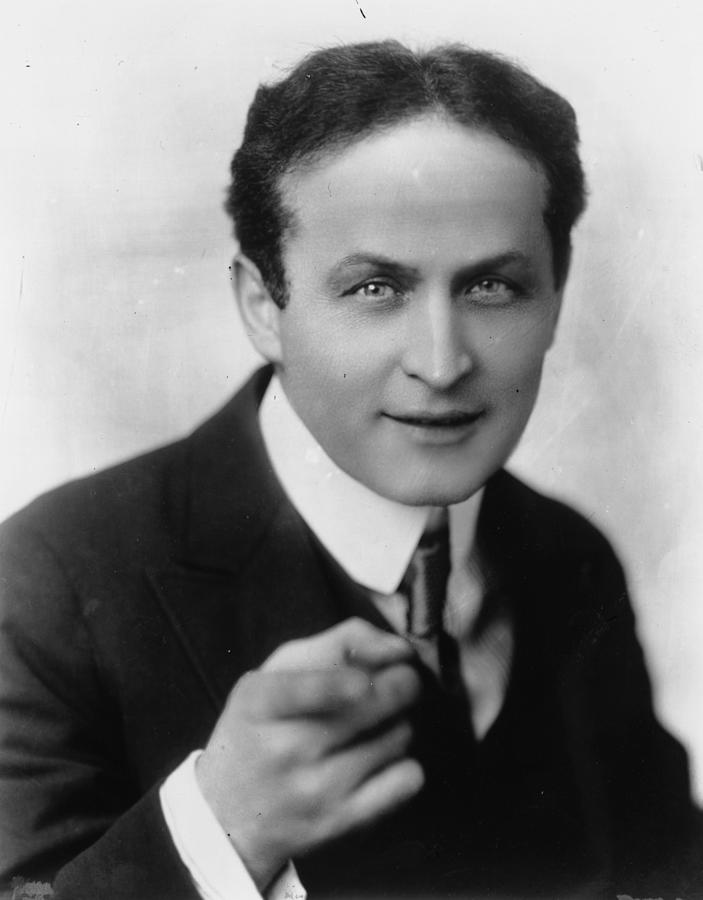 Harry Houdini Photograph by Hulton Archive
