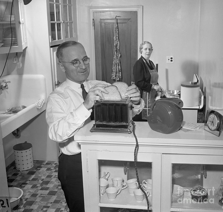 Harry S. Truman Making Toast Photograph by Bettmann