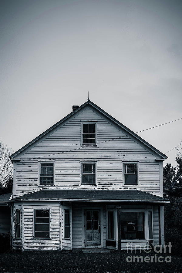 Home Photograph - Haunted House October by Edward Fielding