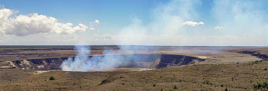 Hawaii Hale Ma'uma'u Volcano Crater by Dave Matchett