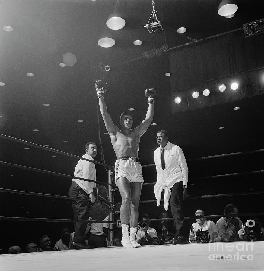 Heavyweight Champion Muhammad Ali Photograph by Bettmann