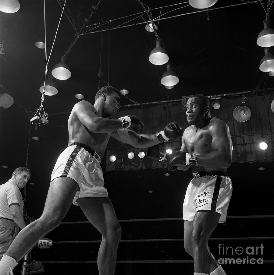 Heavyweight Champions Ali And Liston Photograph by Bettmann