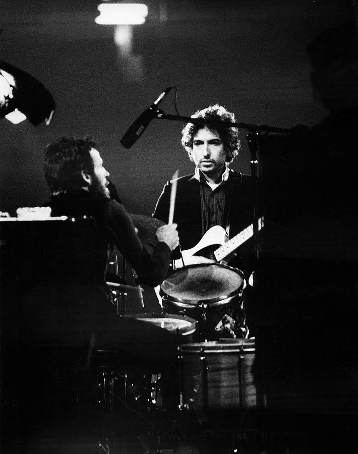 Concert Photograph - Helm & Dylan At The Spectrum by Fred W. McDarrah