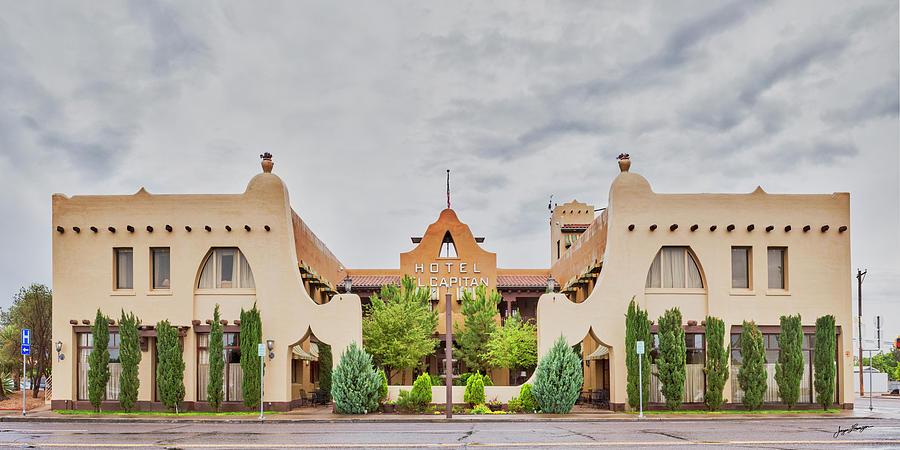 Historic Hotel El Capitan by Jurgen Lorenzen