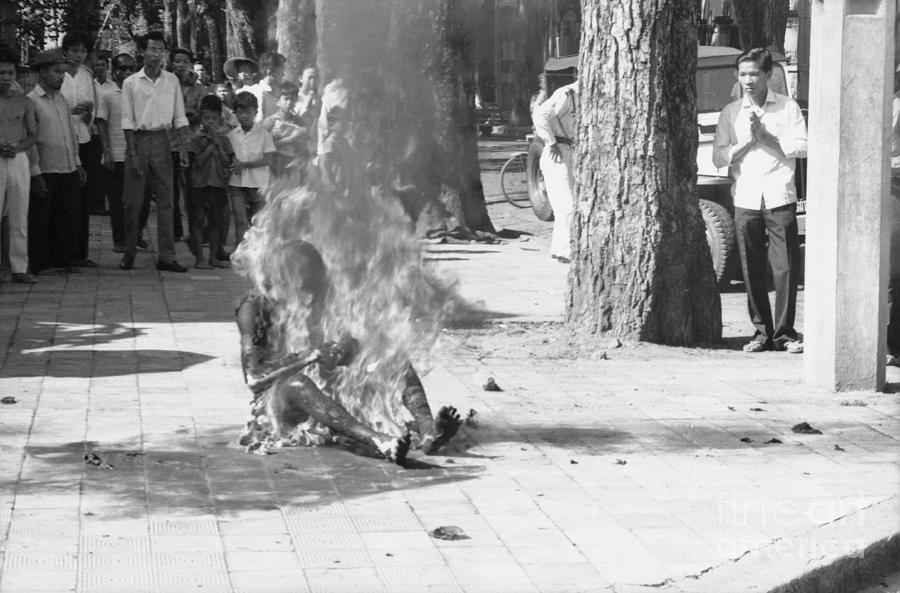 Ho Dinh Van Sacrificing His Life Photograph by Bettmann