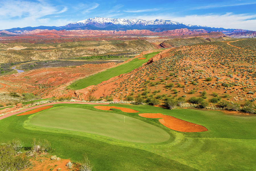 Hole 11 Sand Hollow Golf Course by Mike Centioli