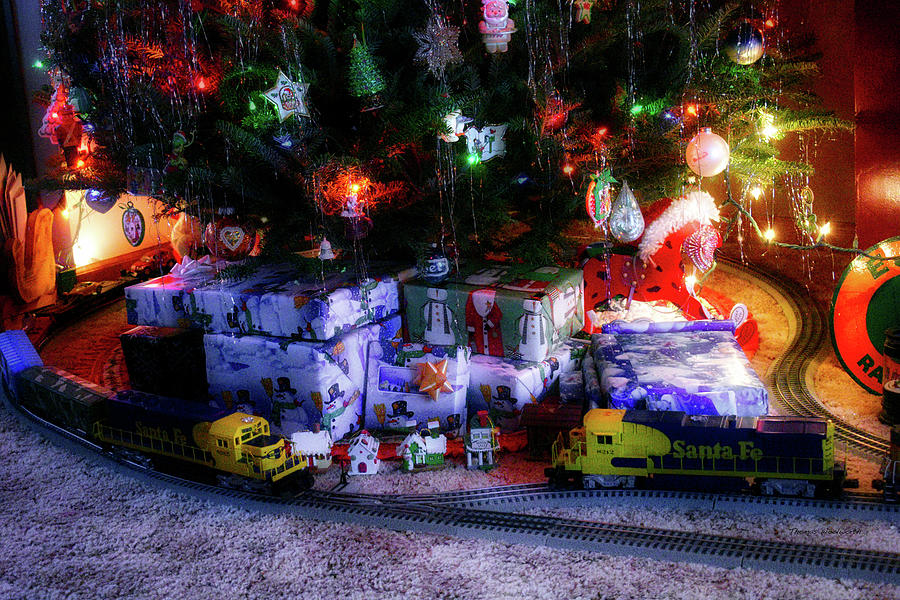 Thomas The Train Christmas Tree.Holiday Presents With Lionel Train Engines Around The Tree 2017 02