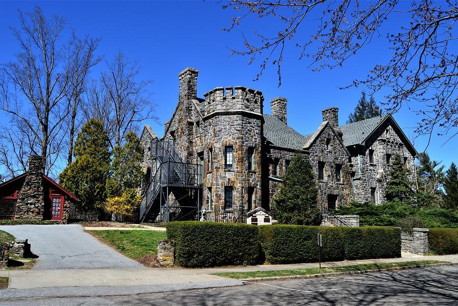 Homewood Castle by Warren Thompson