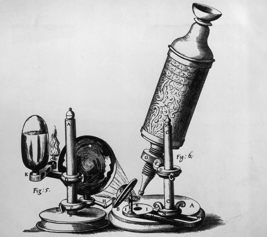 Hookes Microscope Photograph by Hulton Archive