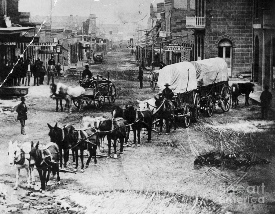 Horse Drawn Covered Wagon Photograph by Bettmann