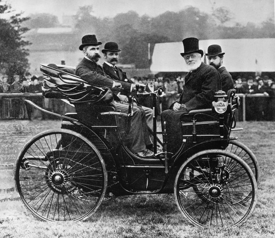 Horseless Vehicle Photograph by Hulton Archive