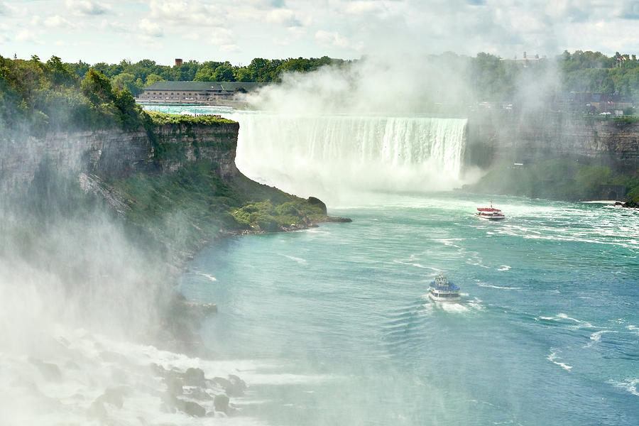 Horseshoe Falls at Niagara by Jim Hughes