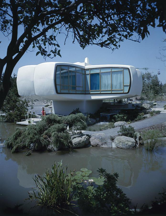 House Of Tomorrow At Disneyland Photograph by Ralph Crane