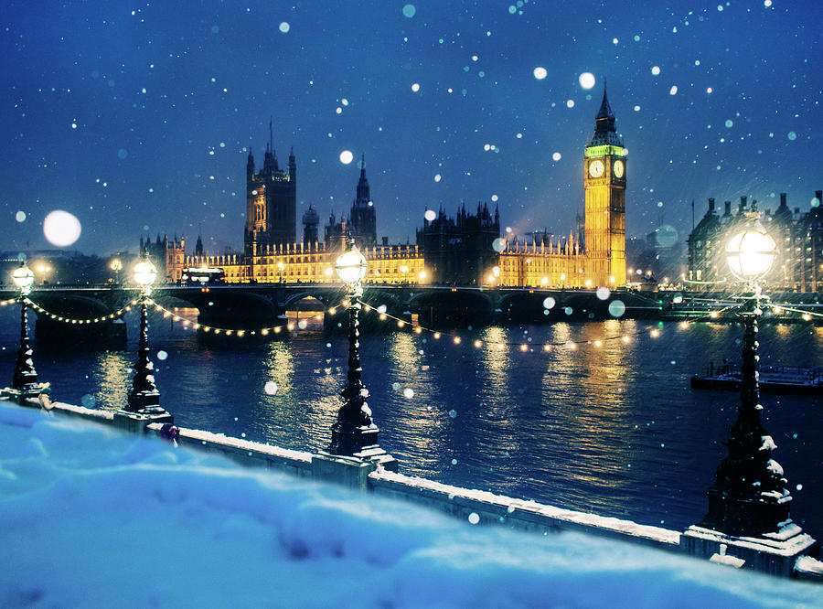 Houses Of Parliament In Snow In London Photograph by Doug Armand