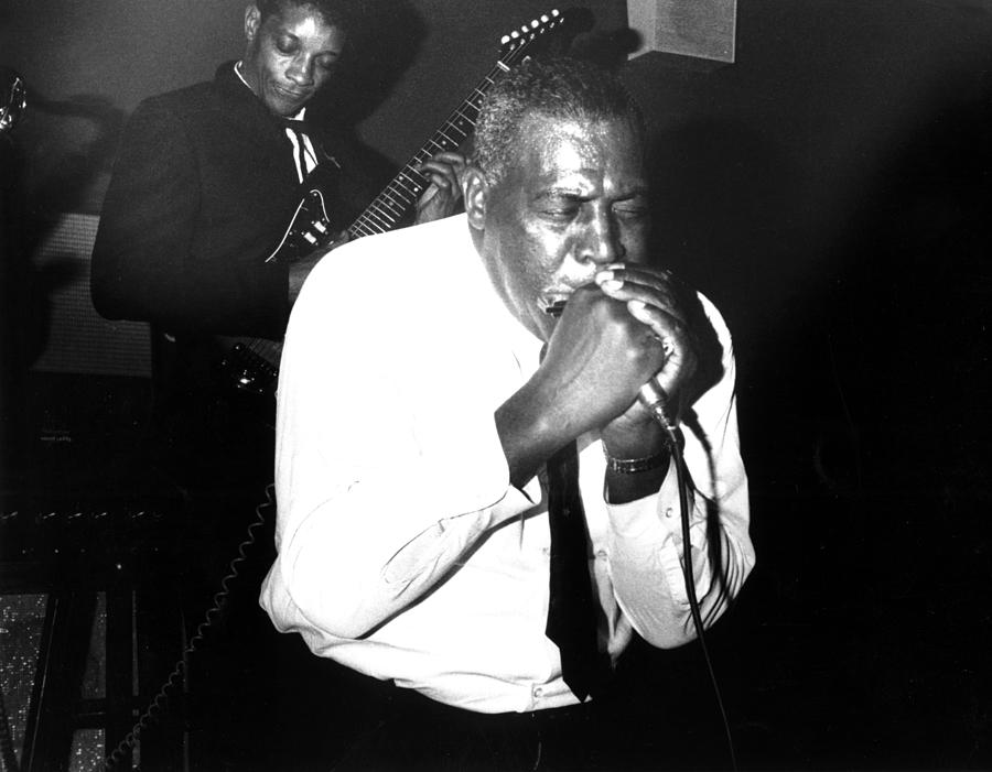 Howlin Wolf Performing In Detroit Photograph by Michael Ochs Archives