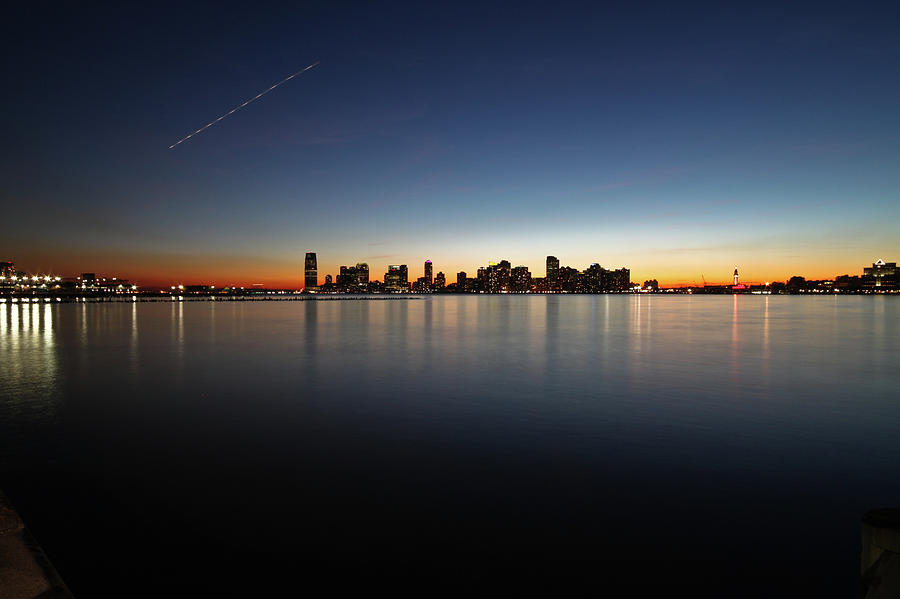 Hudson River In Manhattan Photograph by Geraint Rowland Photography