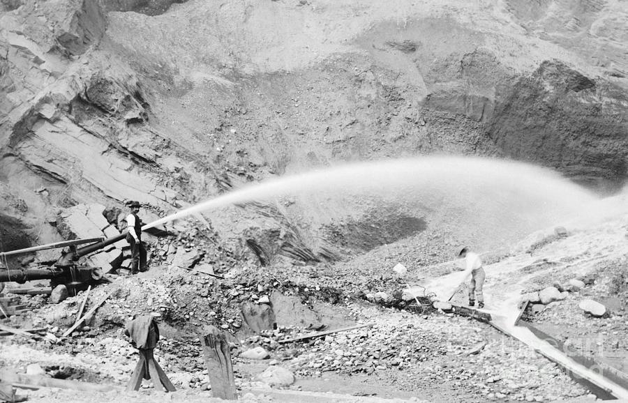 Hydraulic Mining During The Klondike Photograph by Bettmann