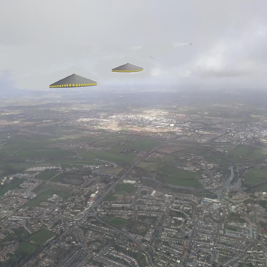 I See Saucers by Roger Swezey