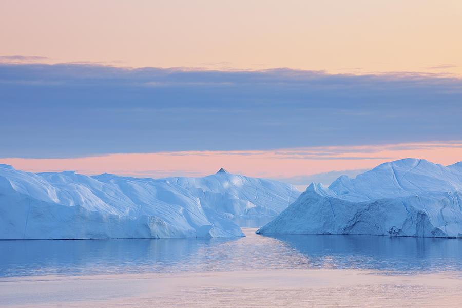 Iceberg Photograph by Raimund Linke