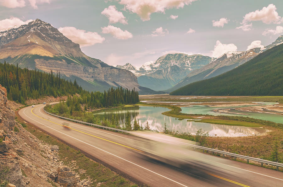 icefield parkway by Jonathan Nguyen