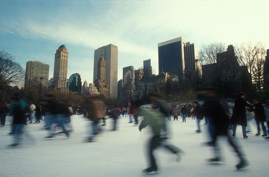 Iceskating In New York Photograph by Brasil2