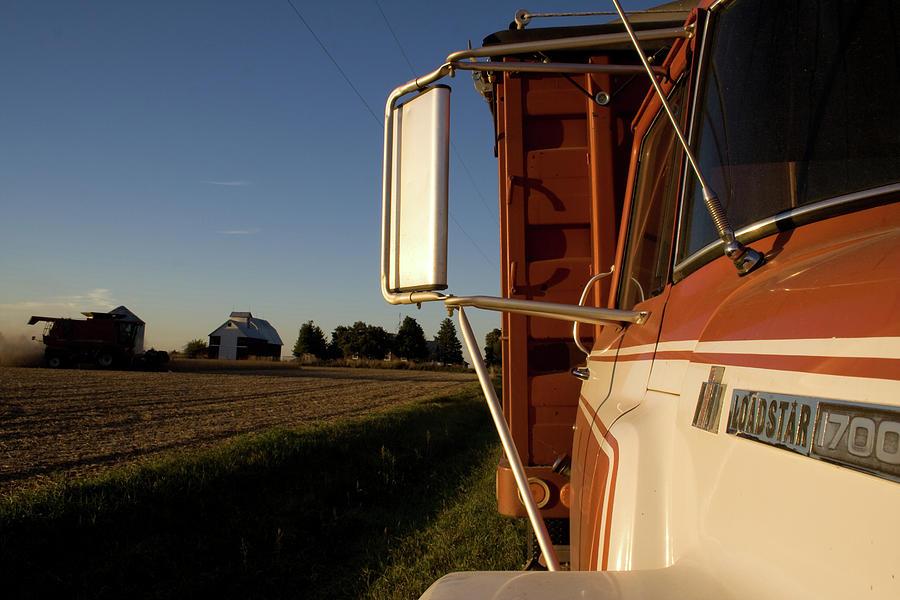 IH Loadstar Harvester by Dylan Punke