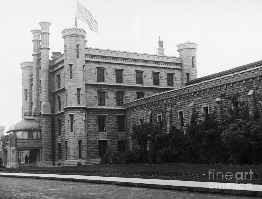 Illinois State Prison Exterior Photograph by Bettmann