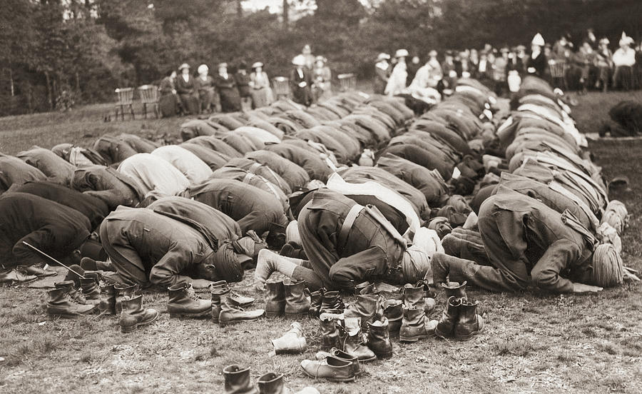 Indian Troops Pray Photograph by Fpg