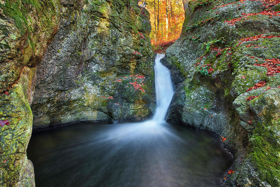 Indian Well Falls by Juergen Roth