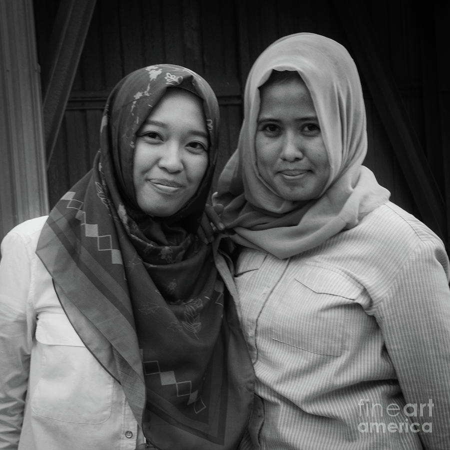Indonesia Photograph - Indonesian Muslim Women by Yermia Riezky Santiago