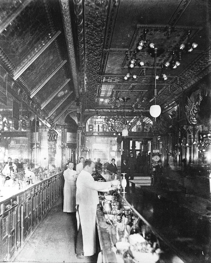 Inside Hannah And Hoggs Saloon Photograph by Chicago History Museum