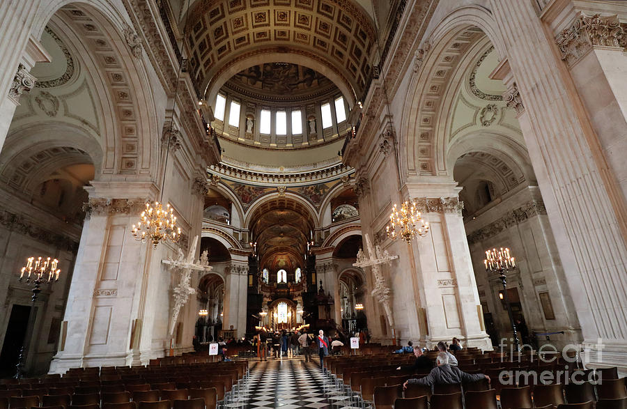 Inside of St Pauls Cathedral by Steven Spak