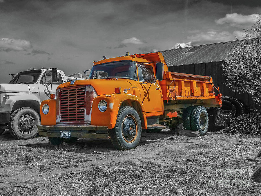 International Loadstar 1600 by Tony Baca