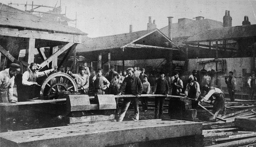 Iron Foundry Photograph by Hulton Archive